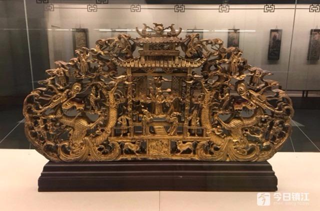 福建莆田地区的木雕工艺兴于唐宋,盛于明清,风格极为独特.